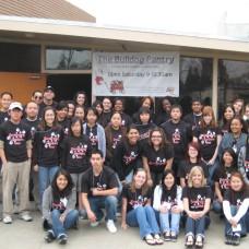 Emerging Leaders Retreat students volunteer one Saturday at the Bulldog Pantry