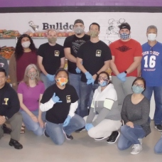 A great group of volunteers, during COVID-19.